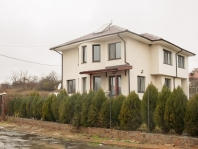 Дом в Лъка