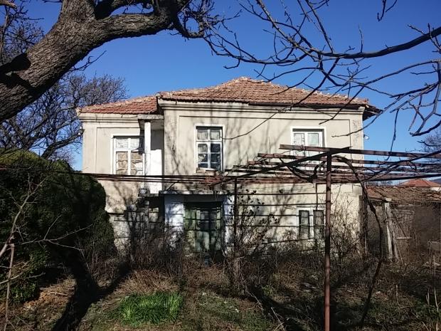 Дом в Невестино